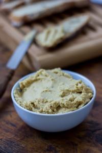 recette au blender d'houmous au beurre de cacahuète